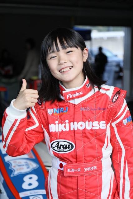沸騰ワード10の美少女レーサーは誰?野田樹潤の小学校や金持ちの経歴がすごい